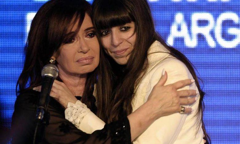 Photo of D'Elía: «Florencia Kirchner va a tener que elegir entre la cárcel o el exilio en Cuba»