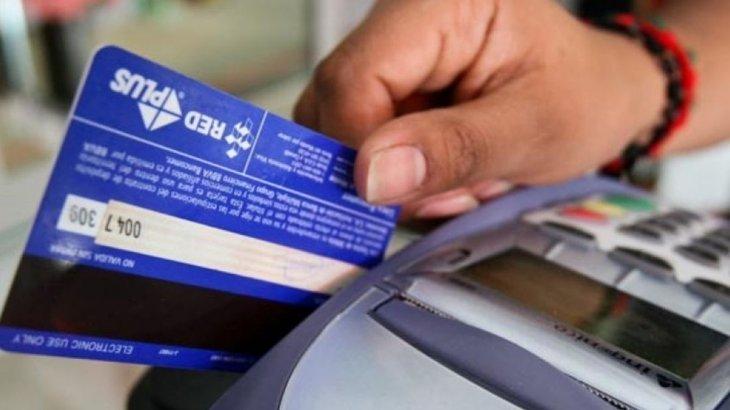 Photo of Compras en dólares con tarjetas de crédito cayeron 13,4% en enero