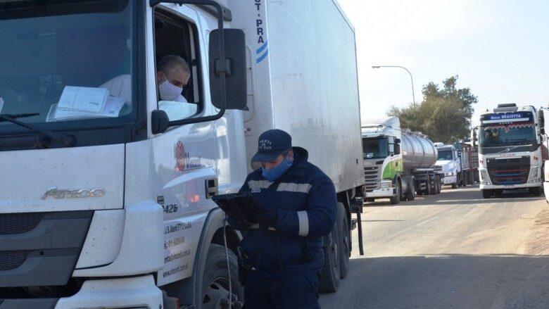 Photo of Otro ingreso ilegal: un transportista cordobés entró a San Juan con un acompañante escondido