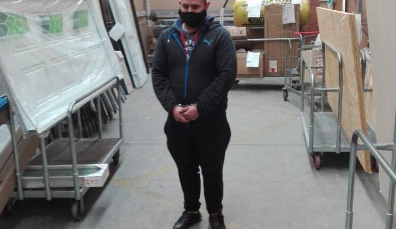 Photo of Un sujeto intentó robar productos del Easy y quedó detenido tras haber sido captado por las cámaras