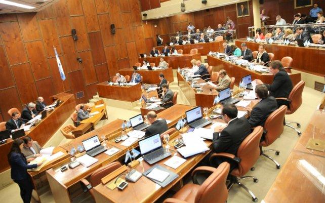 Photo of Diputados sanjuaninos dieron luz verde a las rebajas en impuestos provinciales en facturas de la luz