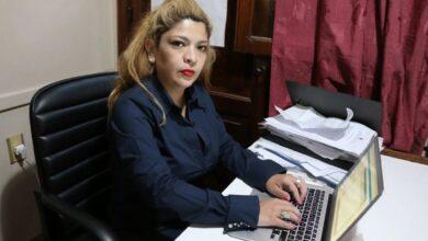 Photo of Delincuentes robaron a una reconocida abogada y busca sus pertenencias con desesperación