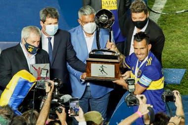 Photo of Las famosas que confundieron el cumpleaños de Roberto Leto con los 70 títulos de Boca