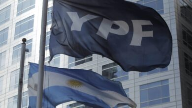 Photo of YPF realizó mejoras a su oferta de canje de deuda internacional