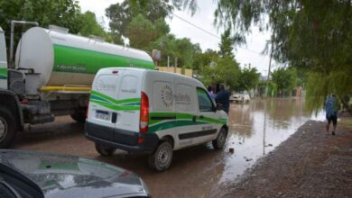 Photo of Rivadavia asiste a las familias damnificadas por la lluvia