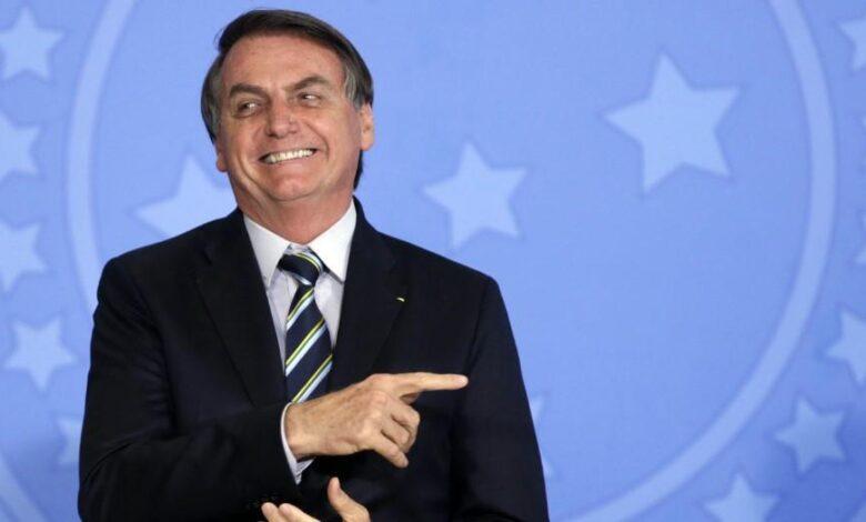 Photo of Bolsonaro ironizó sobre las nuevas restricciones: «Ejército argentino en las calles, buenos días a todos»